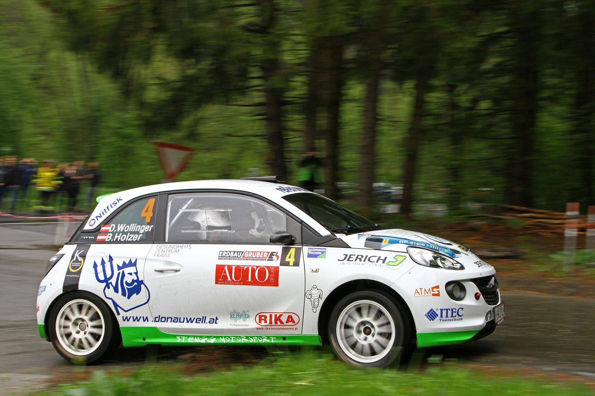 Opel Adam R2 im Regen (copyright by Daniel Fessl)