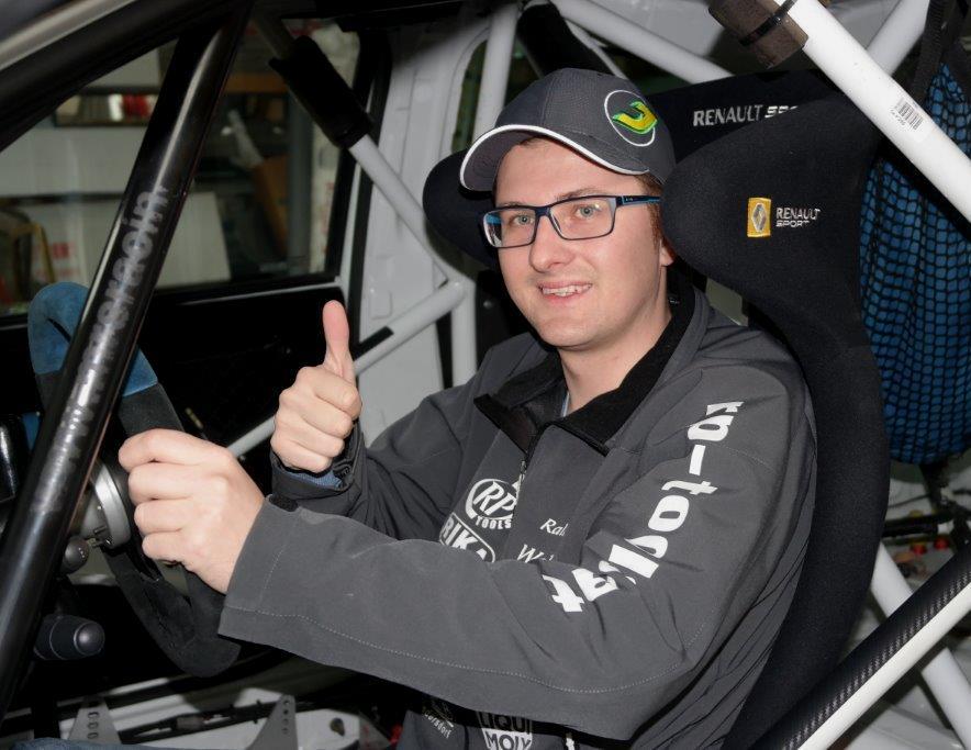 Daniel Wollinger im Renault Clio R3 Maxi